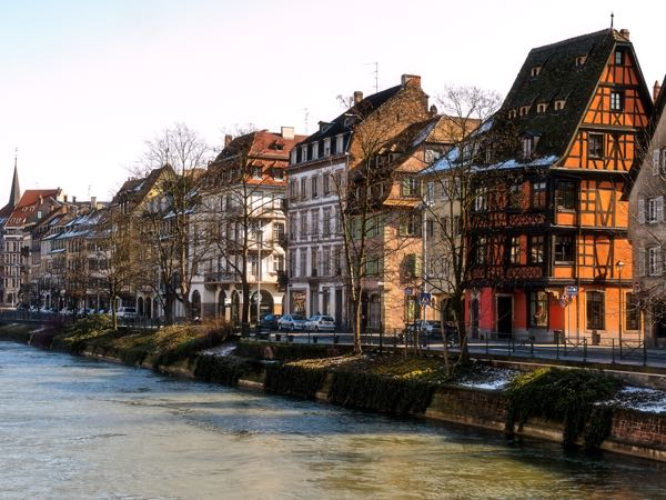 Strasbourg,_Quai_des_Bateliers