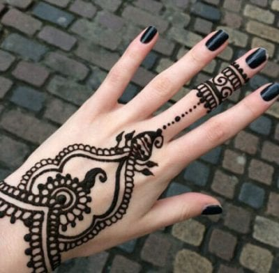 latest simple mehndi designs that are awesome where and. Black Bedroom Furniture Sets. Home Design Ideas