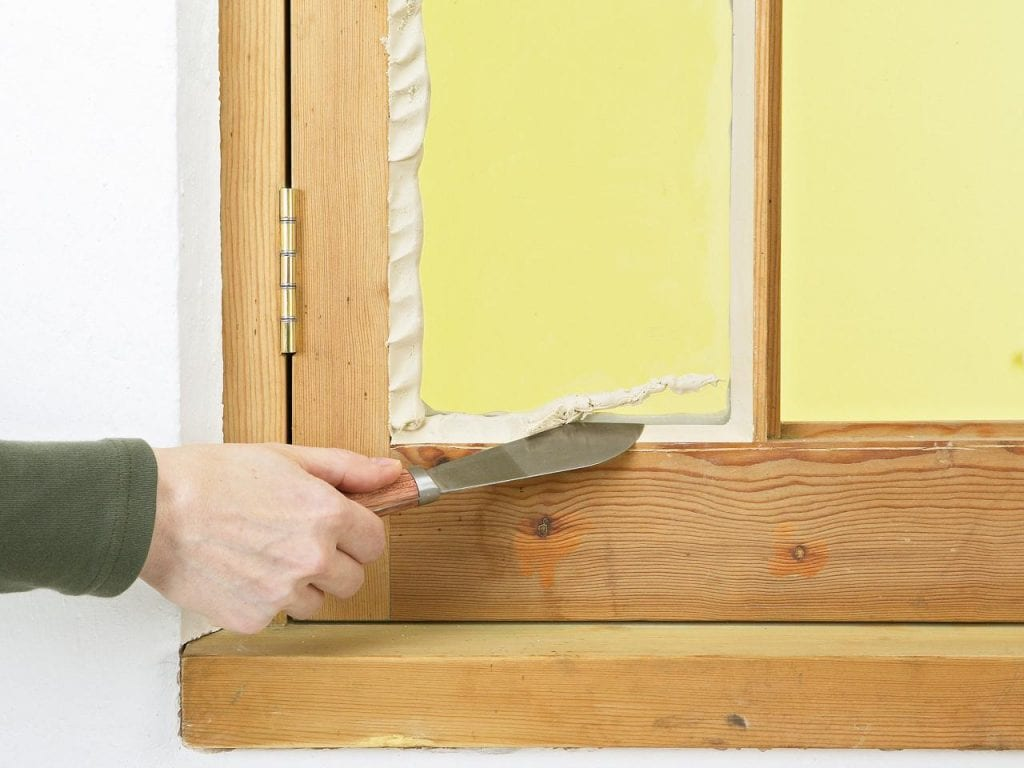 Window Glazing Putty : How to repair and replace your cracked window glass pane